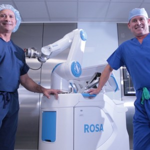 SMH's New Robotic Surgical Assistant Offers Precision & Customization for Knee Replacement Patients
