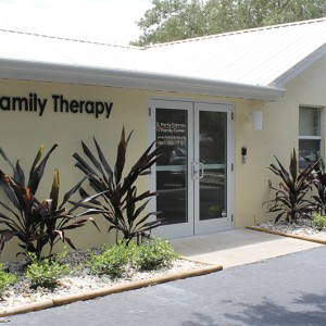 Community Foundation of Sarasota County Awards Mental Health Services Grant to Forty Carrots Family Center